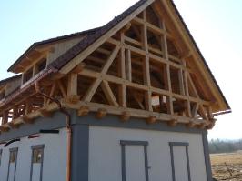 Krov s hrázděnými štíty Klášterec :: krov-klasterec